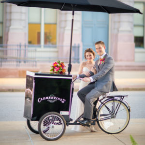 ice cream cart with happy couple for catering